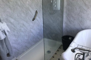 ensuite-first-room
